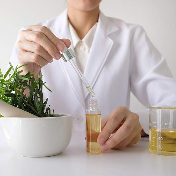 Atelier-huile-essentielle-apoticarius-1